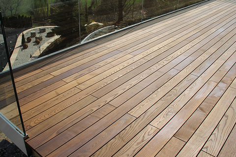 Podele terasa (decking), frasin thermo, neted, 1500-2800x82x21mm 5